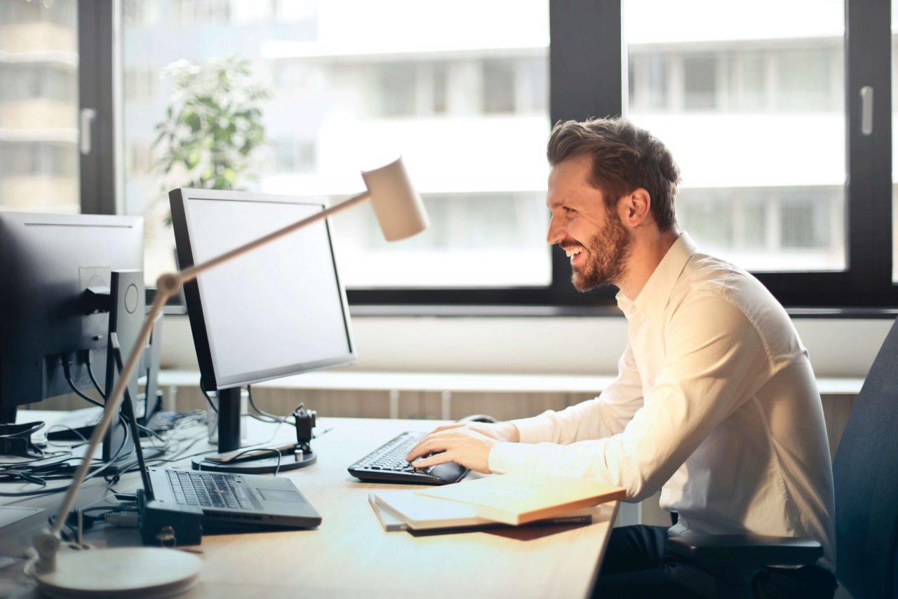 Hintergrundbild Webdesign für Steuerberater